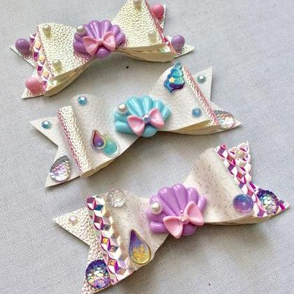 Mermaid holo hair bow cabochon resi..