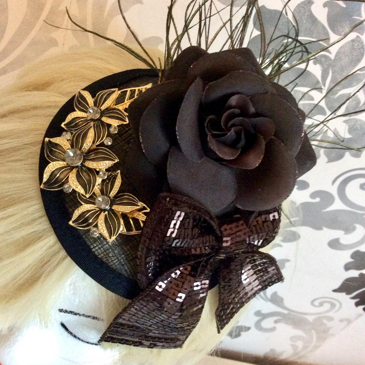 Elegant Fascinator Wedding Vintage Sequin Brown Gold Ascot Beanie Hat Headdress Headdress paillette Art Deco Flapper 20s Charleston Bow rose