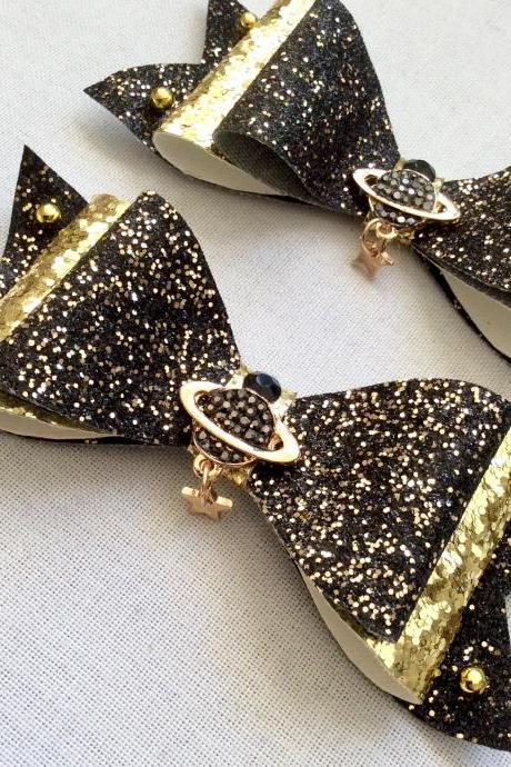 Beautiful Classic Lolita hair bow pearls cabochon resin saturn rhinestone galaxy black gold planet vivian westwood brooch bride queen pin