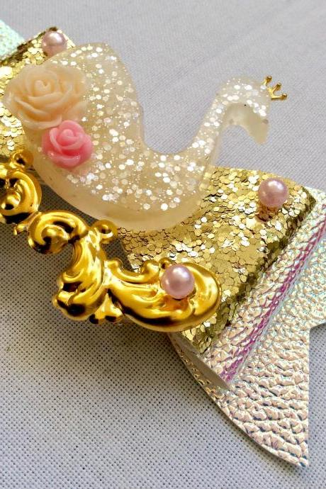 Sweet Lolita hair bow swan princess roses cabochon resin holo crown rhinestone kawaii glitter gold brooch pin fairykei pastelgoth cute