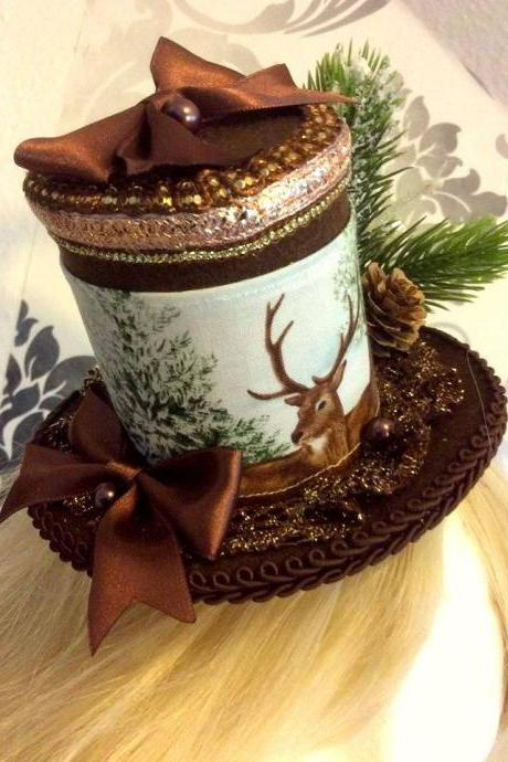 A beautiful, wintry Minihat with deer print, pine cones, pivots and satin bows hat fascinator